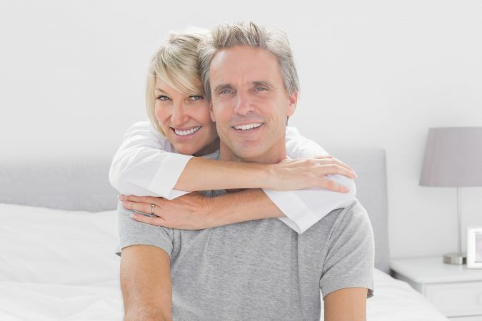 What to Know When Choosing Dentures or Dental Implants