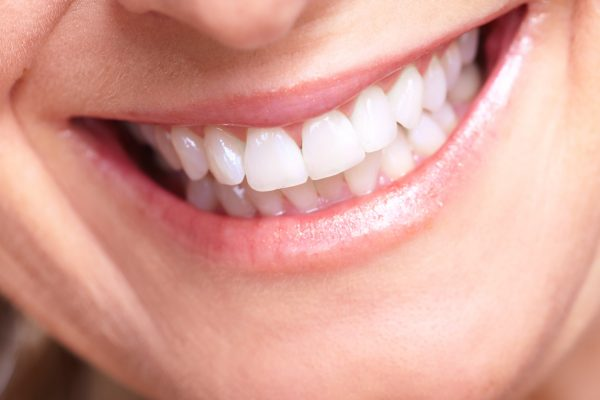 cosmetic dentistry options for chipped teeth